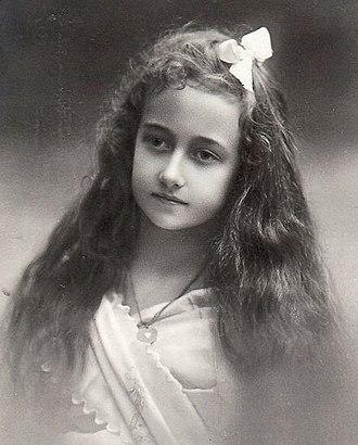 Princess Antonia of Luxembourg - Princess Antonia at the age of 10 (Atelier Elvira, Munich 1910)