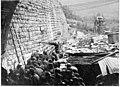 Prisonniers autrichiens serrés le long de la ligne de chemin de fer, pour se protéger des bombardements sur Plava - Plava - Médiathèque de l'architecture et du patrimoine - AP62T104640.jpg