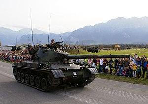 Panzer 68 - Image: Pz 68 Schweizer Armee Steel Parade 2006