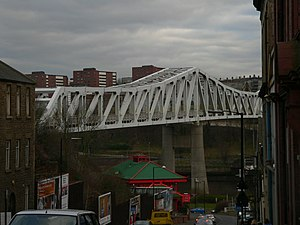 English: The Queen Elizabeth II Metro Bridge t...