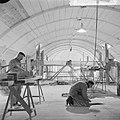 Restauratie Nederlands-Hervormde kerk te Krommenie, restaurateurs aan het werk, Bestanddeelnr 917-6578.jpg