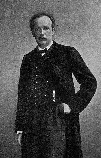File:Richard Strauss (b).jpg