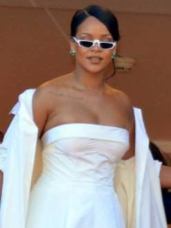 Rihanna Cannes 2017 (cropped)