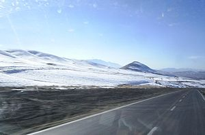 Aligudarz County - Image: Road near to Aligoodarz at winter
