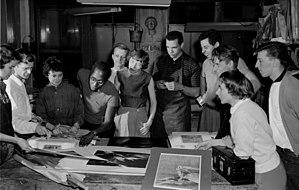 Robert Blackburn (artist) - Blackburn and students in the workshop.