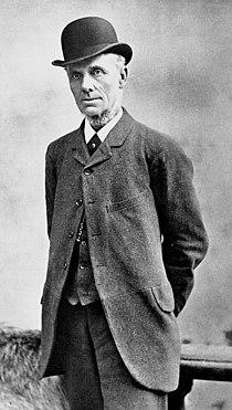 Robert Carpenter cricketer c1895.jpg