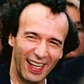 Roberto Benigni (1998) (cropped).jpg