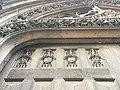 Rouen Saint-Godard détail du portail armoiries.jpg