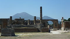 Ruins of Pompeii showing Mount Vesuvius.JPG