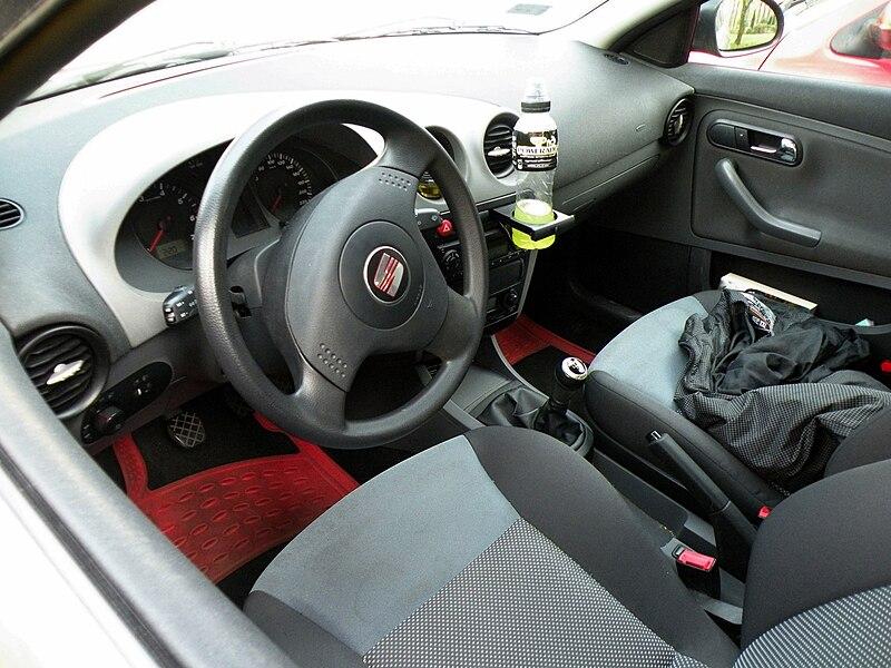 File seat ibiza mk3 interior jpg wikimedia commons for Seat cordoba interior