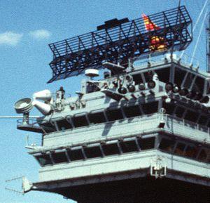 SPS-43 radar of USS America (CV-66) 1979.jpg