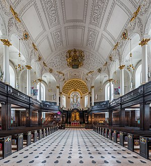 St Clement Danes - Interior of the church, looking east