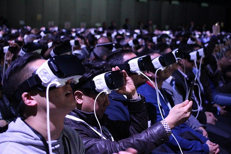Samsung's Virtual Reality MWC 2016 Press Conference (26666393696).jpg