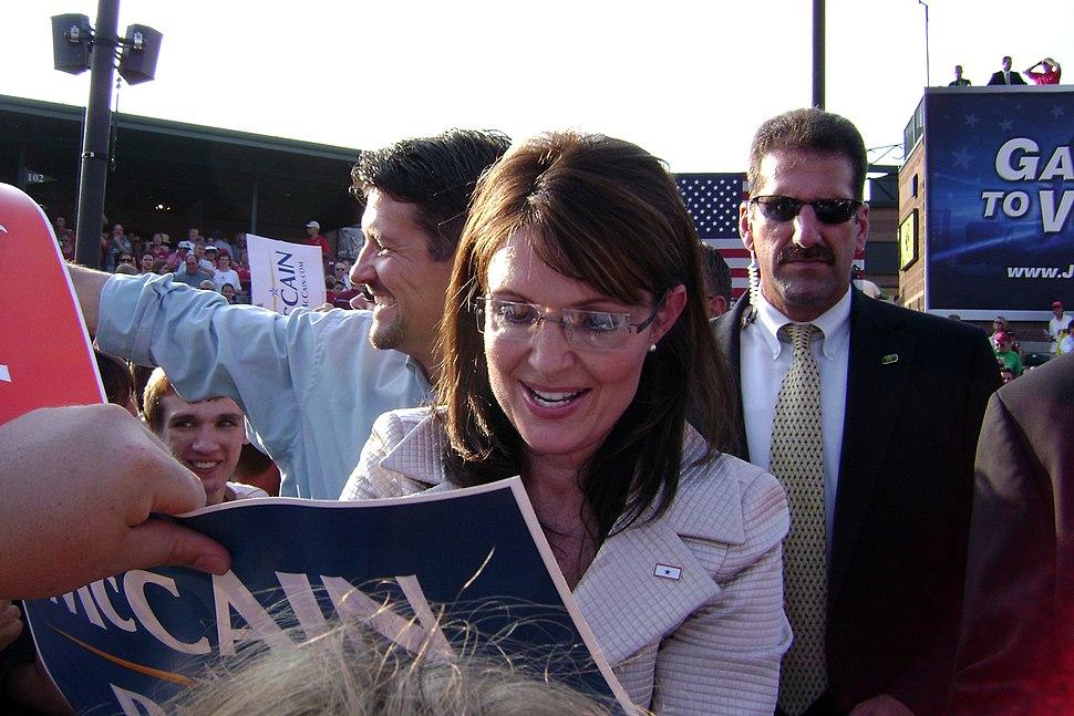 Sarah Palin Signing Autograph