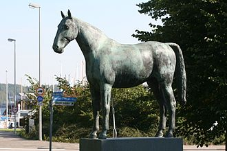 Holsteiner - This sculpture of the Holsteiner jumper, Meteor, stands in Schleswig-Holstein's capital city of Kiel.