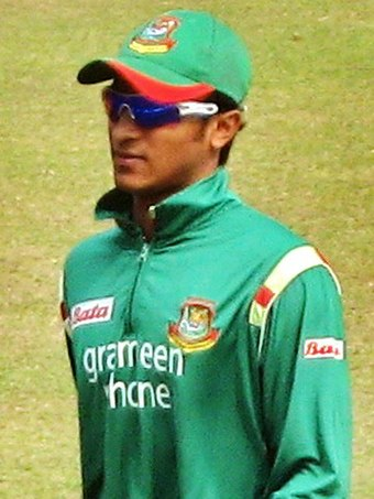 Shakib Al Hasan (pictured in 2009) became the only cricketer in the World Cup history with 600 runs and 10 wickets. Shakib fielding, 23 January, 2009, Dhaka SBNS.jpg