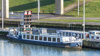 Ship Scaldis at Strépy-Thieu boat lift-3623.jpg