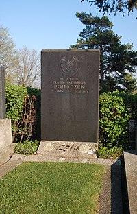 Sieveringer Friedhof - Clara Pollaczek.jpg