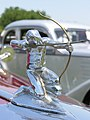 SilverArrowArcherHoodOrnament1935.jpg