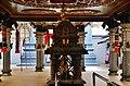 Singapore Tempel Sri Srinvasa Perumal Innen 8.jpg