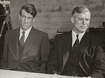 Sir Edmund Hillary and Sir Vivian Fuchs, 1958.jpg