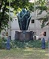 Skulptur Gardeschützenweg 78 (Lifel) Feuerwerker Ehrenmal&Alwin Voelkel&1925.jpg
