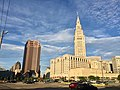 Skyline from Warehouse District, Cleveland, OH (28669551107).jpg