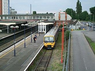 "Slough–Windsor & Eton line - The ""Windsor bay"" (Platform 1) at Slough station, with a Class 165 DMU waiting to depart for Windsor"