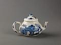 Small covered wine pot or teapot MET SLP1733-1.jpg