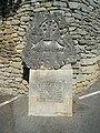 Stèle Chateau Vaudois de Cabrières d'Avignon.jpg
