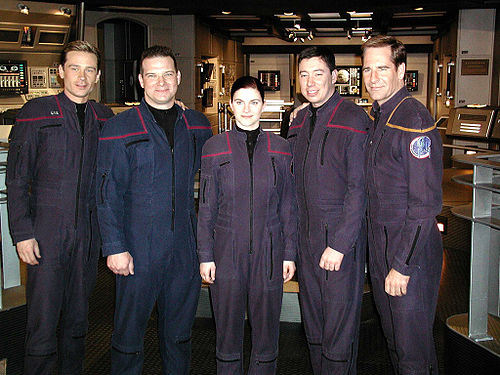 O elenco de Star Trek: Enterprise.