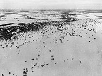 StateLibQld 1 164123 Thomson River in flood at Jundah, Queensland, 1950.jpg