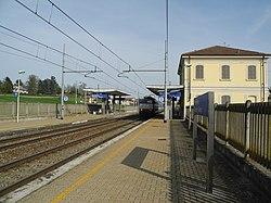 Stazione di Rocchetta Tanaro-Cerro (5).JPG