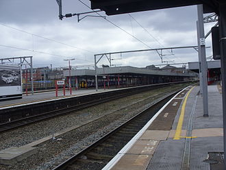 Stockport railway station - Platforms 2 and 3