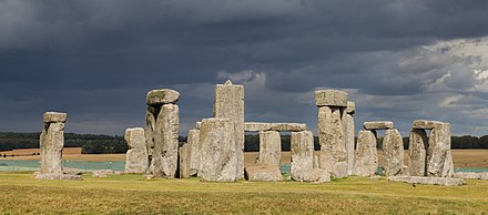 Stonehenge in the United Kingdom (Late Neolithic from 3000–2000 BC). Stonehenge, Condado de Wiltshire, Inglaterra, 2014-08-12, DD 09.JPG