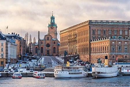 Storkyrkan and Kungliga slottet Stockholm 2016 01.jpg