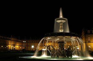 Schlossplatz bei Nacht
