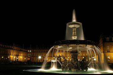Stuttgart Schlossplatz Nacht new.jpg