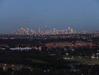 The Sydney city centre from the city's western suburbs. Sydney Skyline (5620756401).jpg