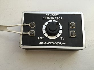 """Ghosting (television) - A """"ghost eliminator"""" sold to consumers in the 1960s and 70s to make ghosting less visible. This unit was a simple resistive attenuator."""