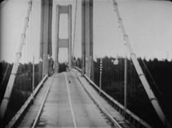 קובץ:Tacoma Narrows Bridge destruction.ogv