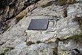 Targa in memoria delle viitime dello schianto aereo del 12 ottobre 1944.jpg