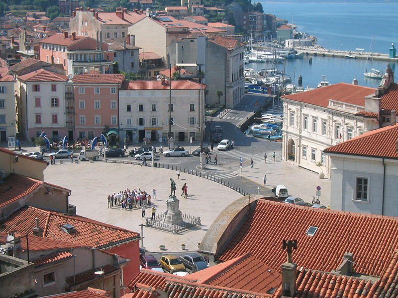 Plik:Tartini Square Piran.jpg