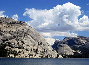 Tenaya Lake Dome.jpg
