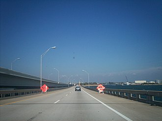 Gandy Bridge - Traveling across the 1975 (eastbound) bridge with the 1997 (westbound) bridge to the left