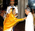 The President, Smt. Pratibha Devisingh Patil presenting the Padma Vibhushan to Shri P.R.S. Oberoi, at an Investiture-I Ceremony, at Rashtrapati Bhavan, in New Delhi on May 05, 2008.jpg
