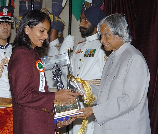 The President Dr. A.P.J. Abdul Kalam presenting the Arjuna Award -2005 to Ms. Aparna Popat for Badminton, at a glittering function in New Delhi on August 29, 2006