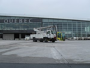 FMC Technologies - A FMC Technologies' Tempest deicing unit on an airport tarmac.