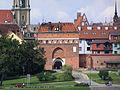Torun brama Klasztorna z mostu.jpg