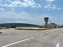 Tower of Brac Airport 2011.jpg
